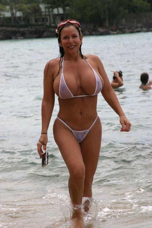 Milf in bikini pictures