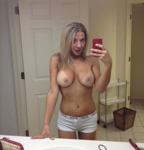 amateur photo Big tittied amateur selfie