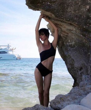 amateur photo Dem rocks - Paz Vega spotted near Ibiza