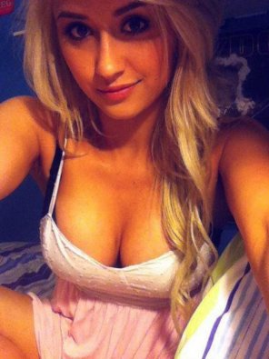 amateur photo blonde