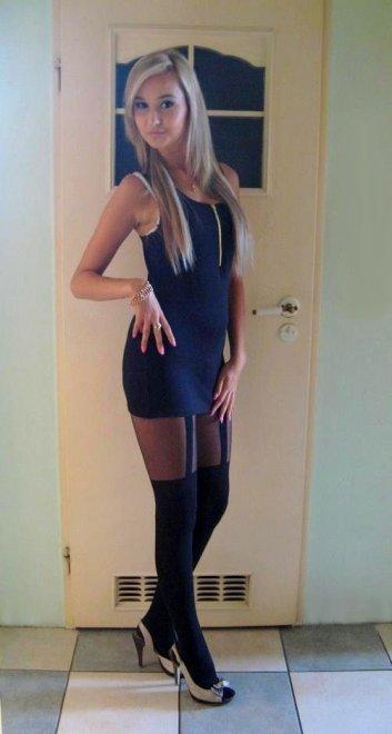 Cute blonde Porn Photo