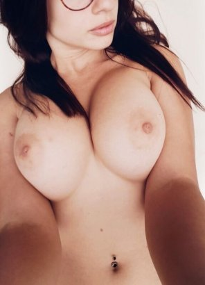 amateur photo Big pink areolas