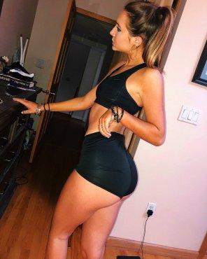 amateur photo wanna make her black shorts a sticky mess