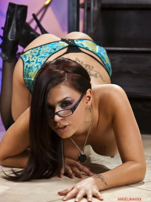 amateur photo Eva Angelina with her glasses
