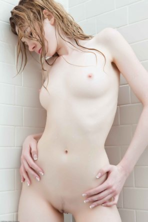 amateur photo In the shower.