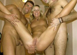 amateur photo Yvonne Fun with two Guys