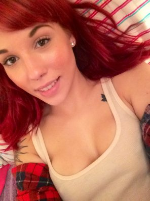 amateur photo beautiful babe redhead