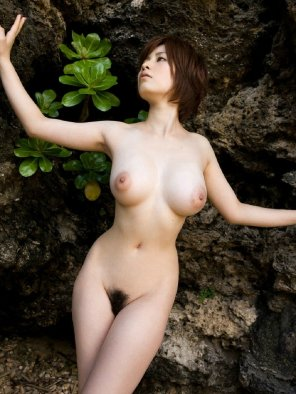 amateur photo Busty asian with bush