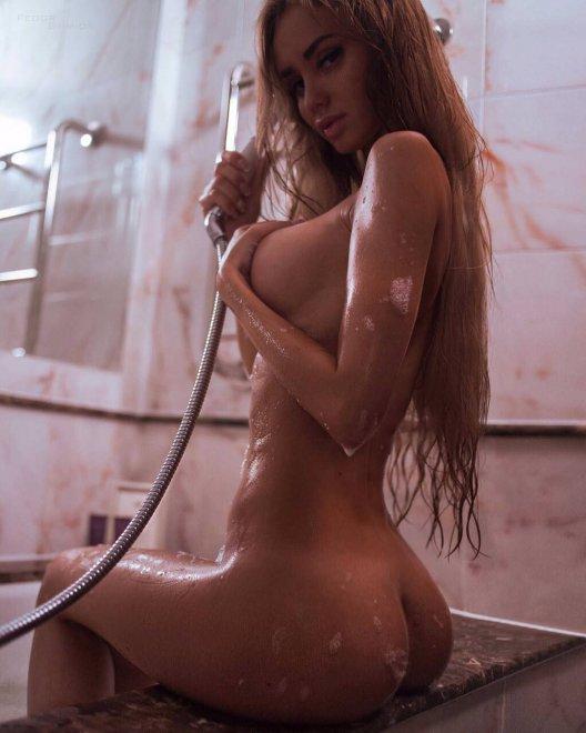 bath Porn Photo