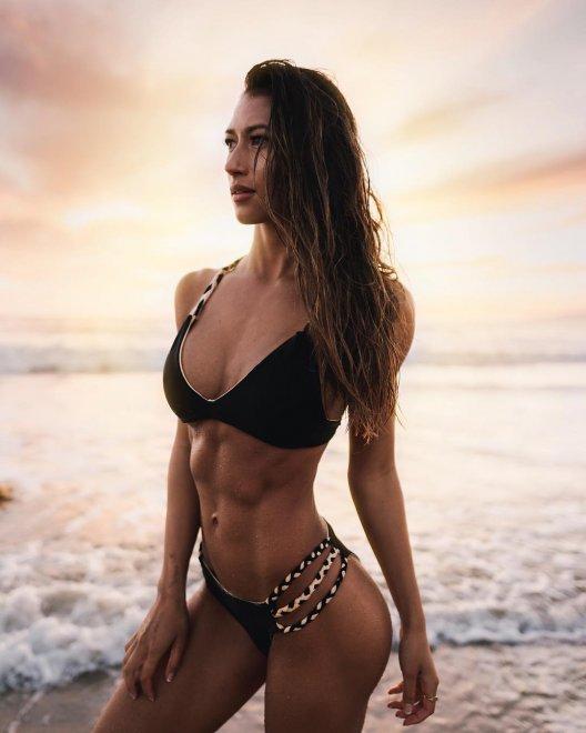 Karina Elle Porn Photo