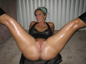 amateur photo Oiled, spread and ready