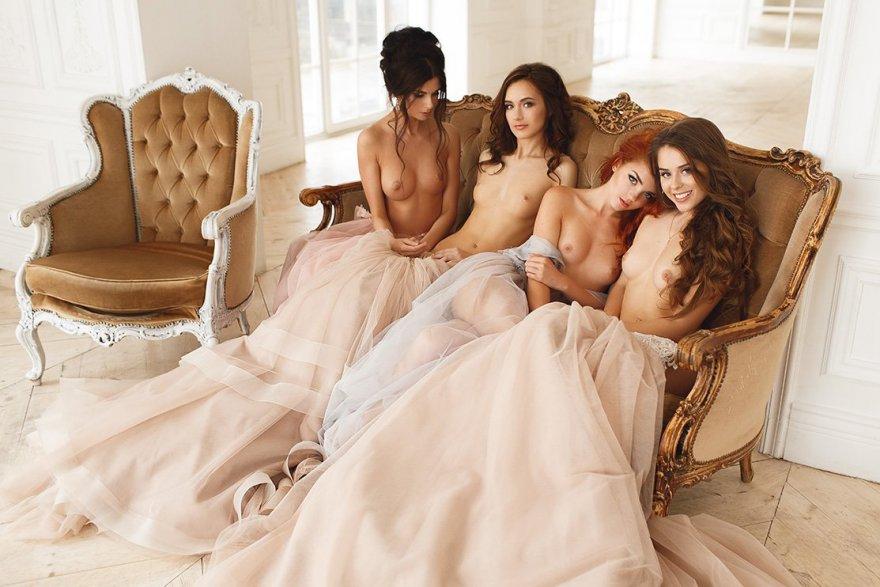 4 girls Porn Photo