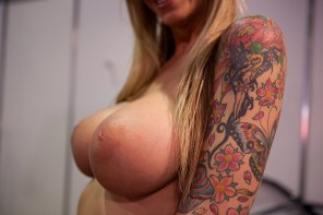 amateur photo Tits and tats