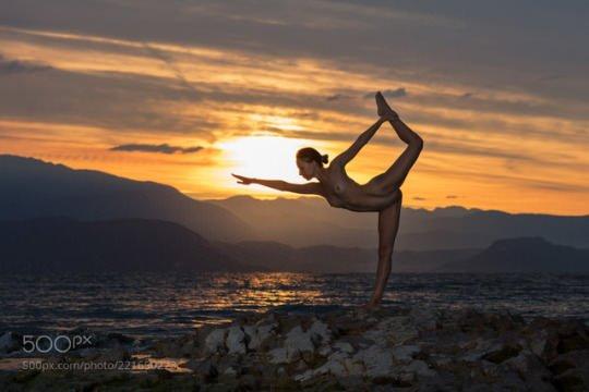 Nude yoga Porn Photo