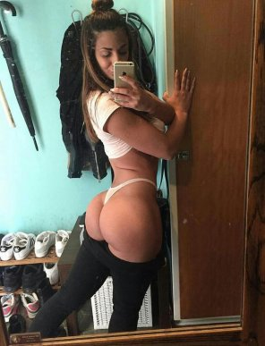 amateur photo Fit Thong Ass