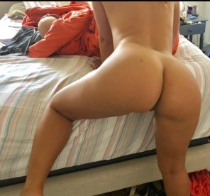 amateur photo I told her to assume the position for reddit. Did she please?