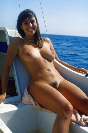 amateur photo Boating babe