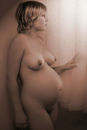 amateur photo Lovely and pregnant