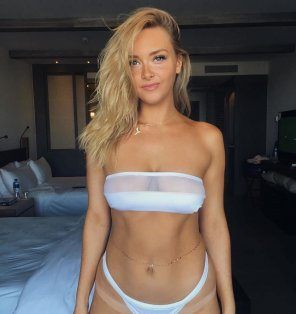 amateur photo Camille Kostek
