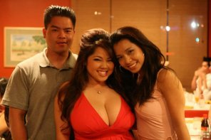 amateur photo Busty filipino chick