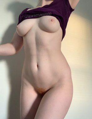 amateur photo Hoping this full frontal of my body makes you hungry 😏