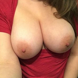 amateur photo [F] Big Soft Boobies, Let Me Show Yew Moree ^_^ Snap: bellasmith919