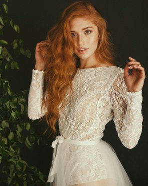 amateur photo Beautiful redhead in lace dress