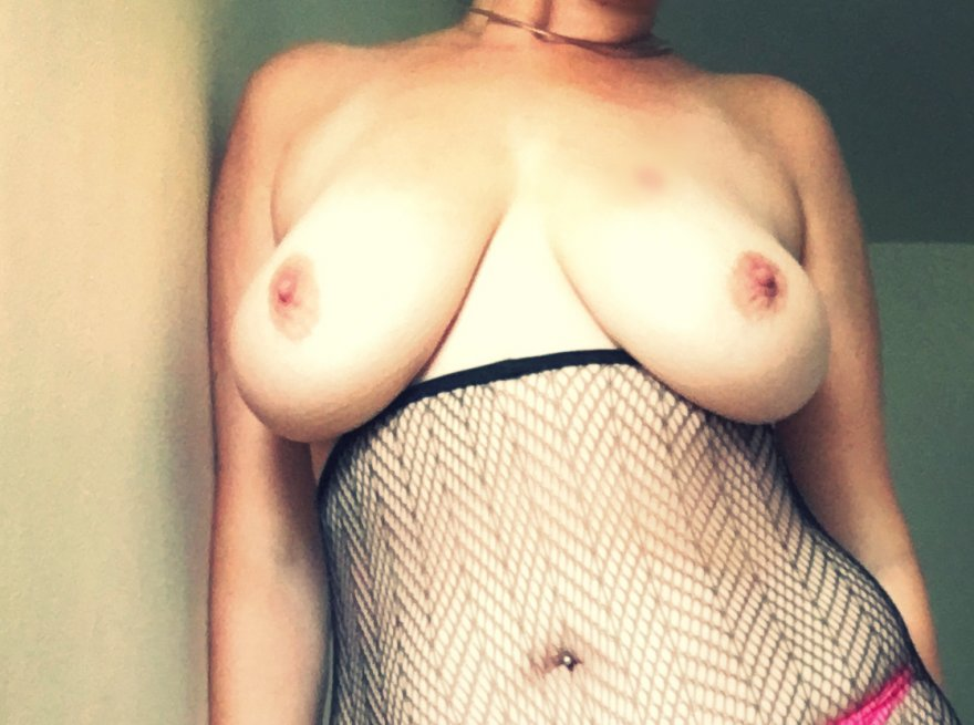 IMAGE[image] fishnets and very little else Porn Photo