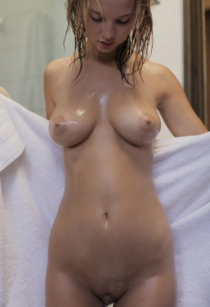 amateur photo Towel open