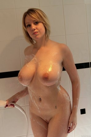 amateur photo Sudsy Boobs