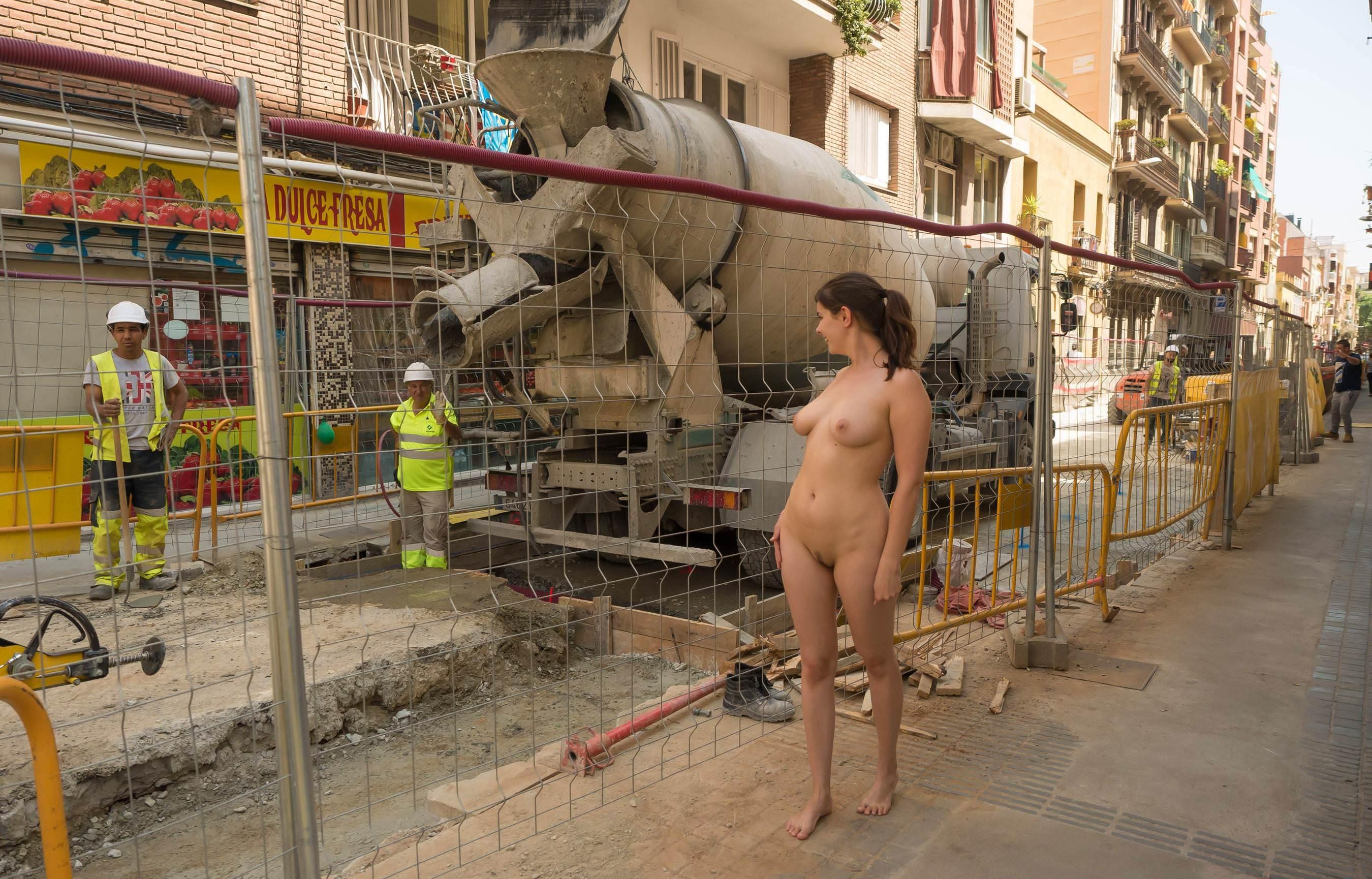 Naked girl with jackhammer