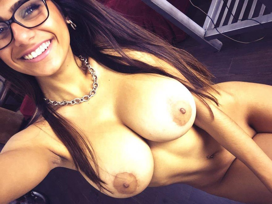 Mia Khalifa Porn Photo