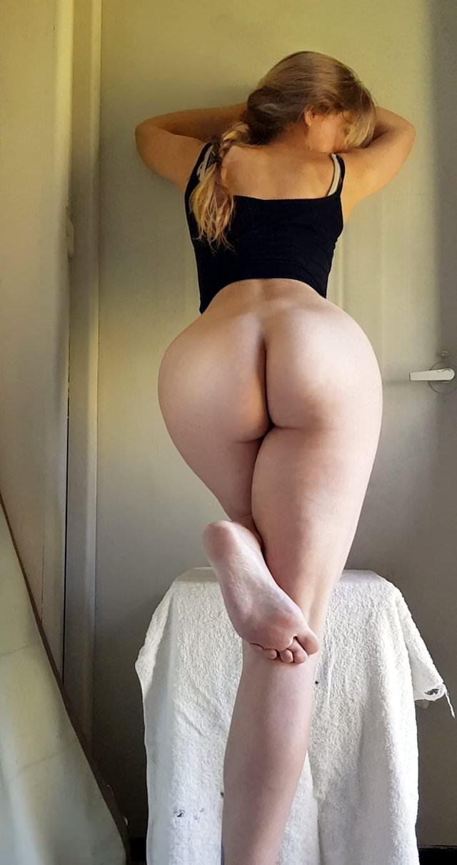 Blonde ass porn