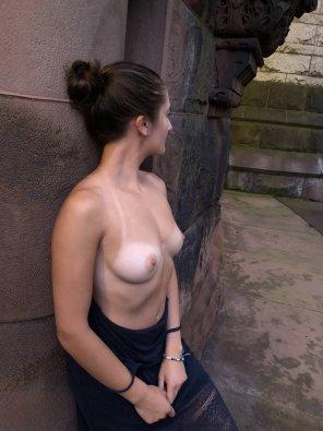 amateur photo Tan lines in public