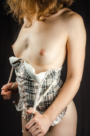 amateur photo Under Checkered Lust [F]
