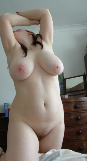 amateur photo Pale love