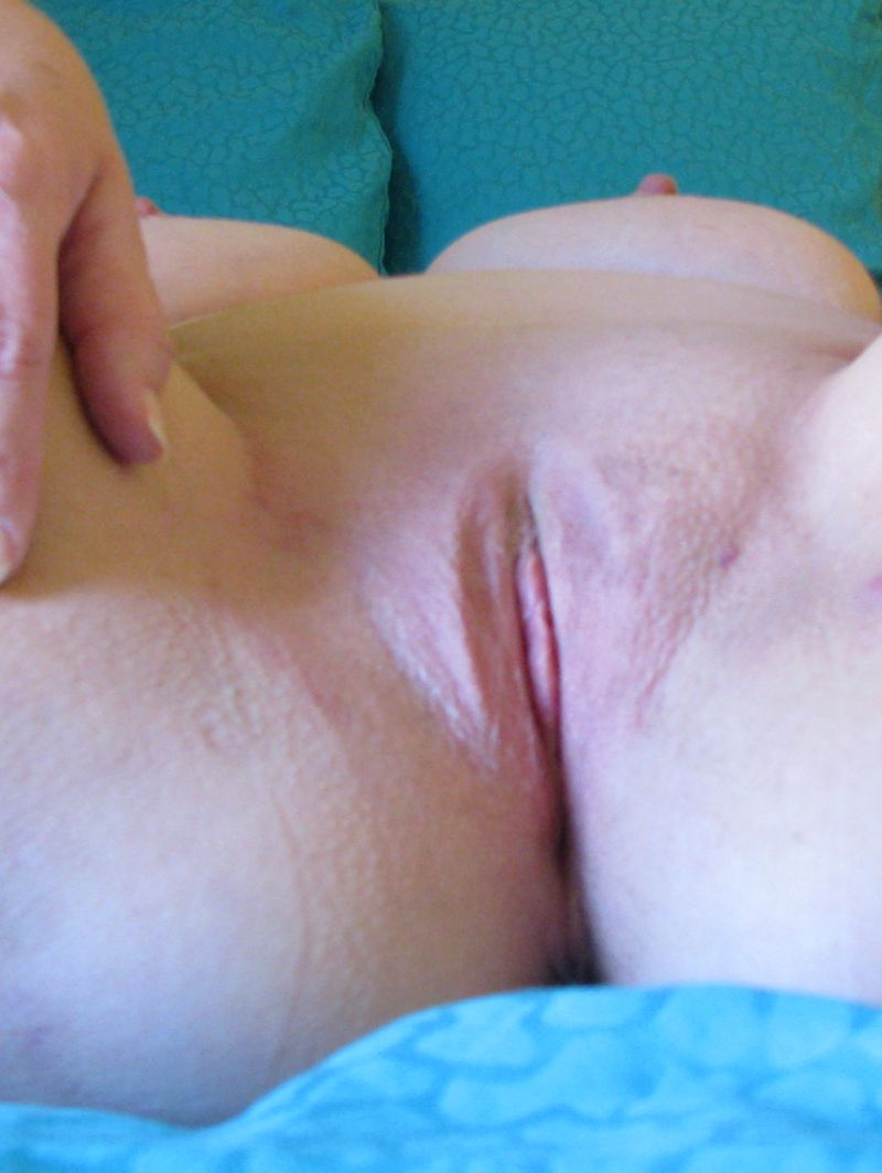 Having a bare clitoris