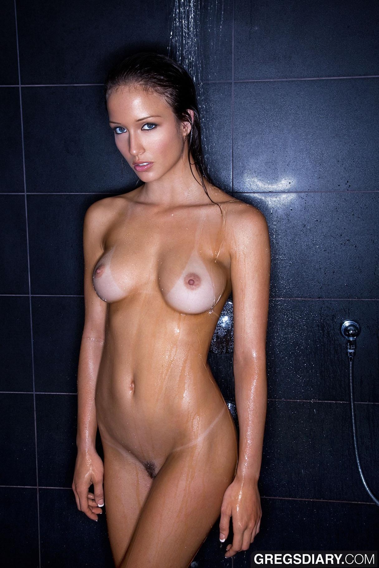 Sexy nude asian ass