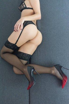 amateur photo Just a little tease in black lingerie [oc]