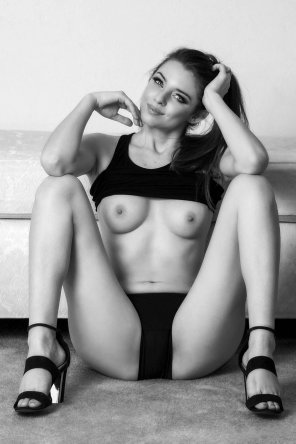 amateur photo Black & Breasts in Black and White [F]