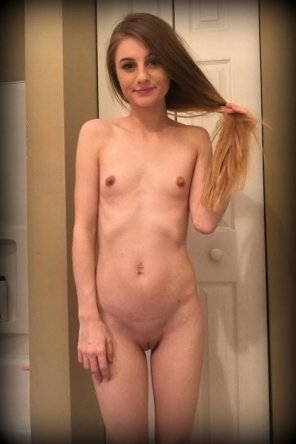 amateur photo itty bitty tatas