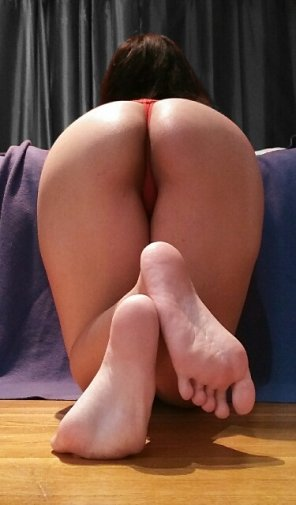 amateur photo Ready to get my ass spanked! [F] 19 🙈
