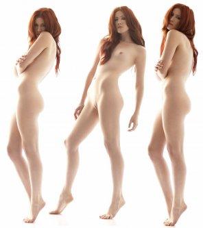 amateur photo pale redhead 3 times