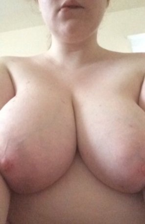 amateur photo Had a long day with my fwb, now I'm [f]eeling lonely. Send nice messages?
