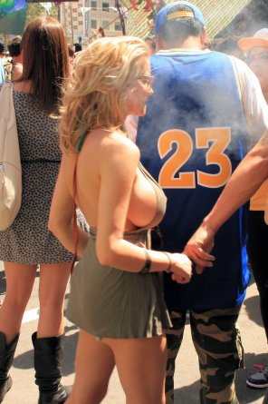 amateur photo Hot blonde spotted!