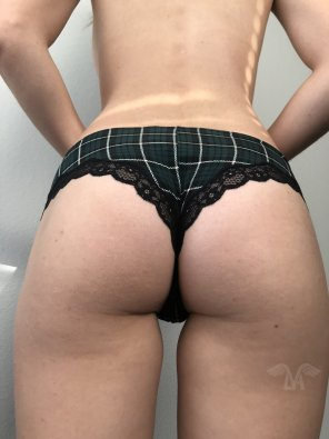 amateur photo Y'all like my new plaid panties from the back?