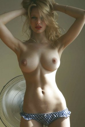 amateur photo Blonde looking lovely