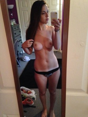 amateur photo Brunette selfie in only a pair of panties.