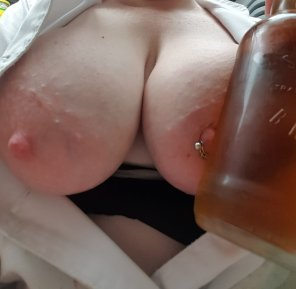 amateur photo This [f]eels even better!