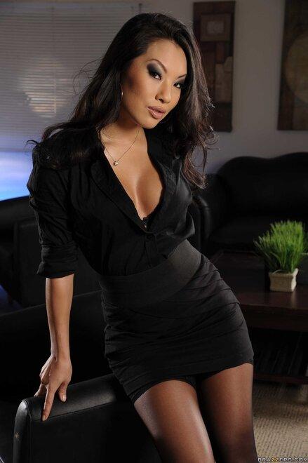 Asa akira in a black dress Porn Pic - EPORNER